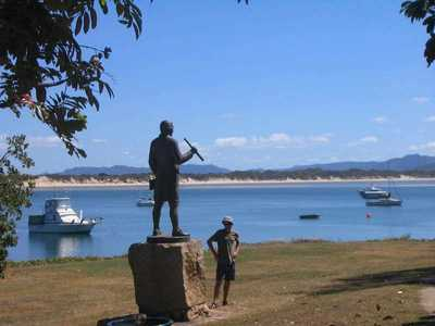 Cooktown 4wd Adventures (Day and Overnight) Captain Cook Statue Cooktown